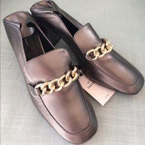 NWT Zara metallic Loafers 38